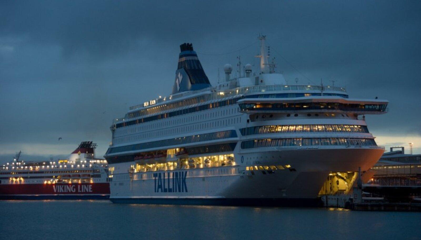 Viking XPRS ja Silja Europa