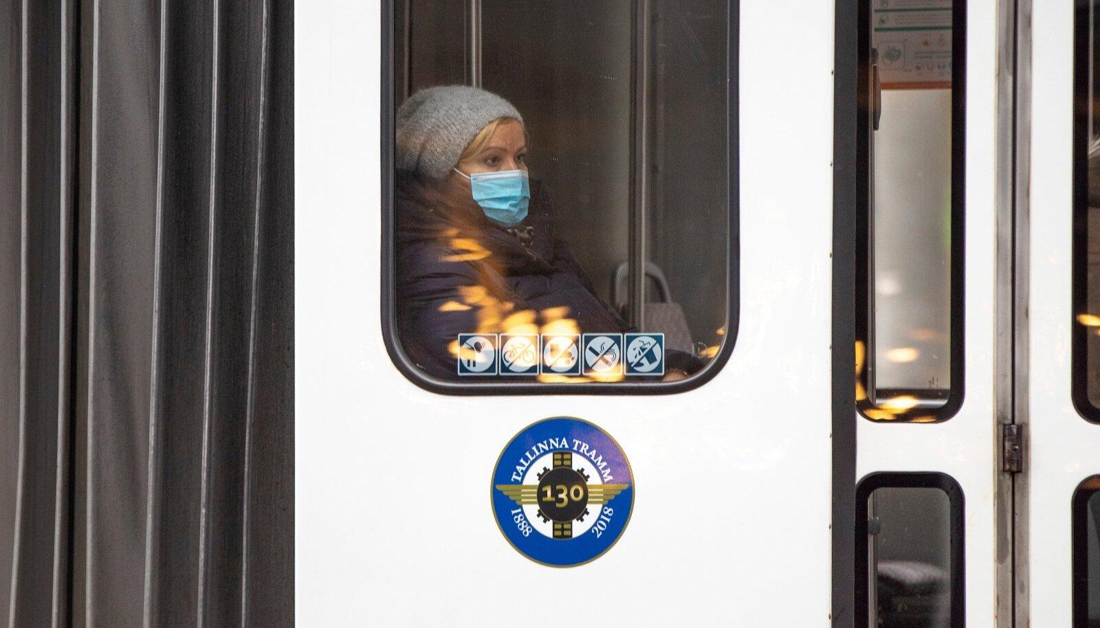 Maskid Tallinna linnapildis ja ühistranspordis
