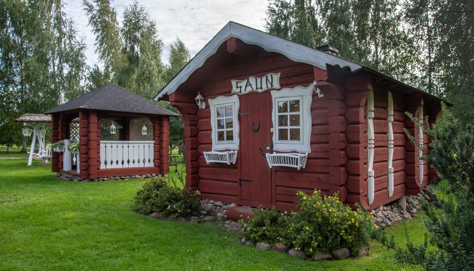 Maarika ja Andres Alvela. Põlvamaa, Pahtpää küla, Alvela talu.