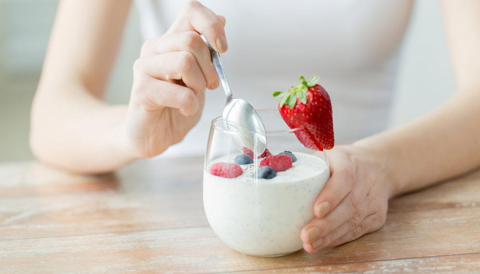 Maitsestamata jogurt pakub kehale probiootikume