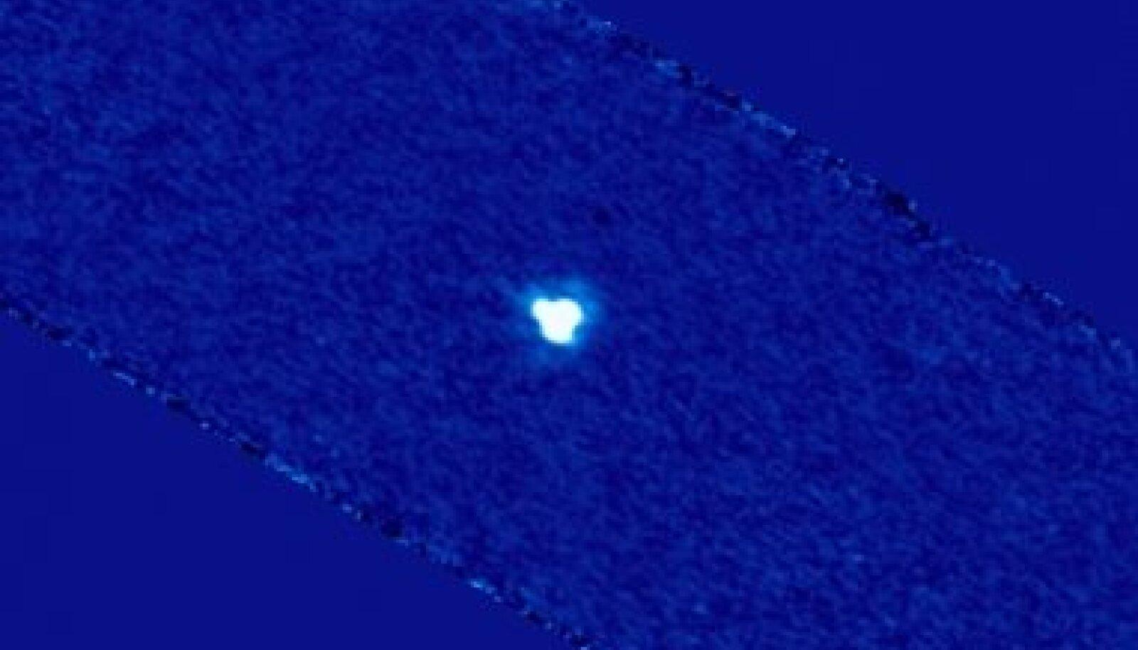 Asteroid 2005 YU55 Herscheli kosmoseobservatooriumi võtetest kokku monteeritud pildil. Foto MPI, Extraterrestrial Physics, ESAC