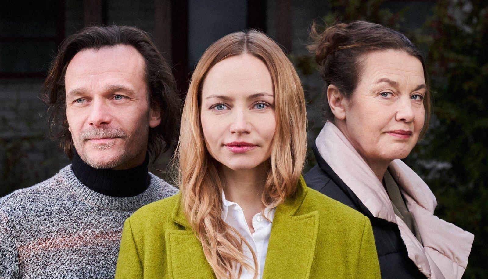 """Eksklusiivselt Huubis näidatud sarjas """"Valguses ja varjus"""" tegid suurepärased rollid tippnäitlejad Epp Eespäev ja Mirtel Pohla, kes EFTA žüriilt ka teenitud kummarduse said."""