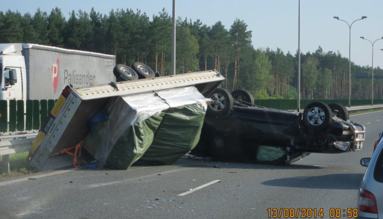 Õnnetus Poolas maanteel S8