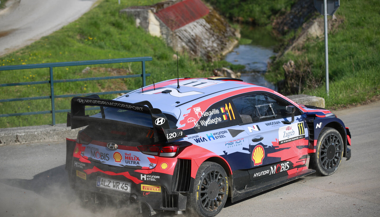 Thierry Neuville ja Martin Wydaeghe Hyundai roolis.