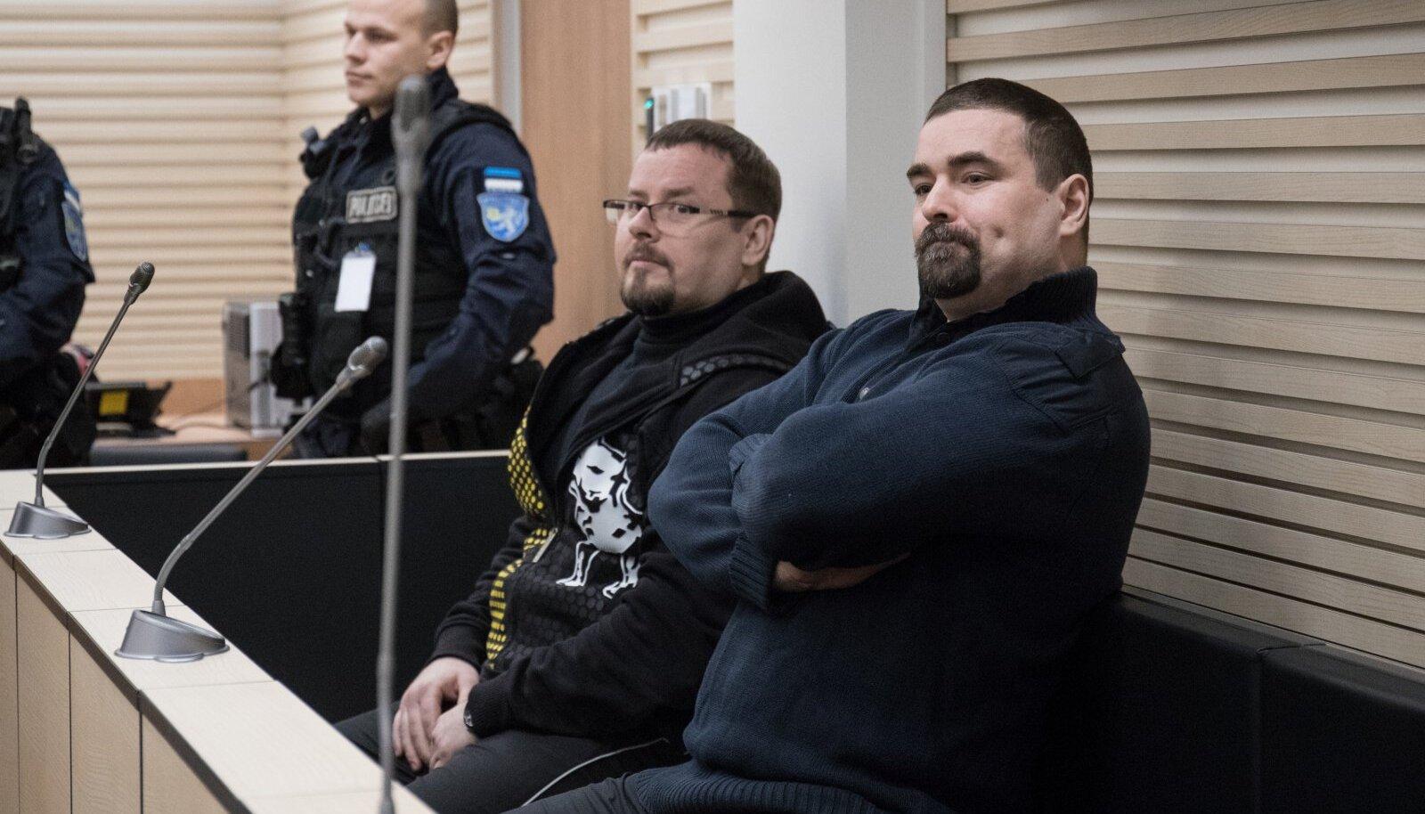 MÕRVADES SÜÜDI: Erik Kruusimägi (paremal) ja tema noorem vend Sten Kruusimägi. Esimene neist ründas eelmisel suvel vanglas Vjatšeslav Gulevitšit.