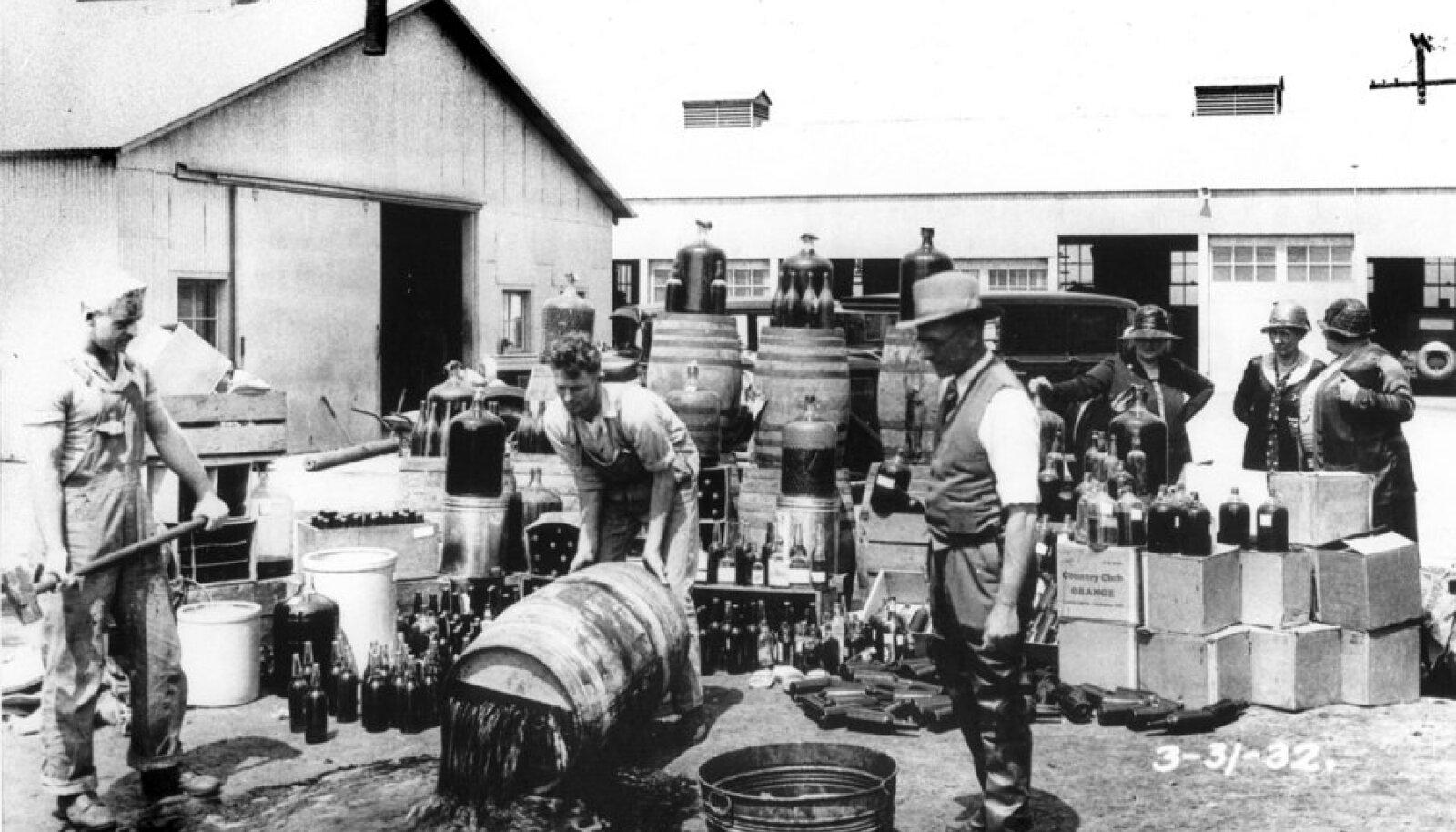 Salaalkohol kallati rentslisse keeluseaduse ajal.