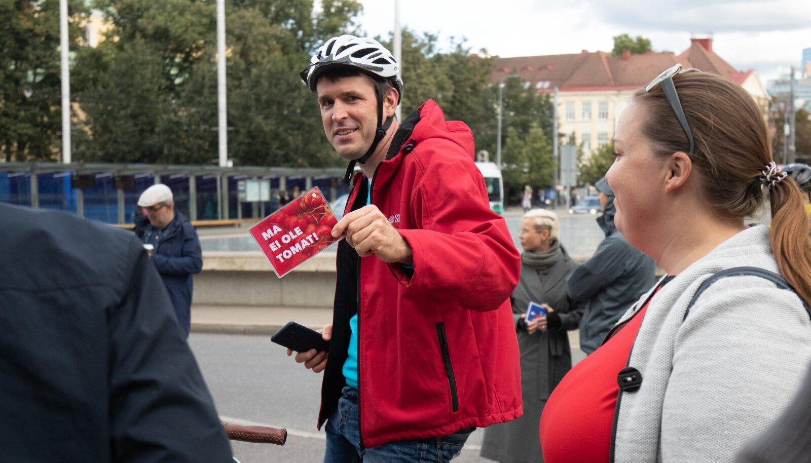 Jalgratturite meeleavaldus linnavalituse ees 11.09.2020