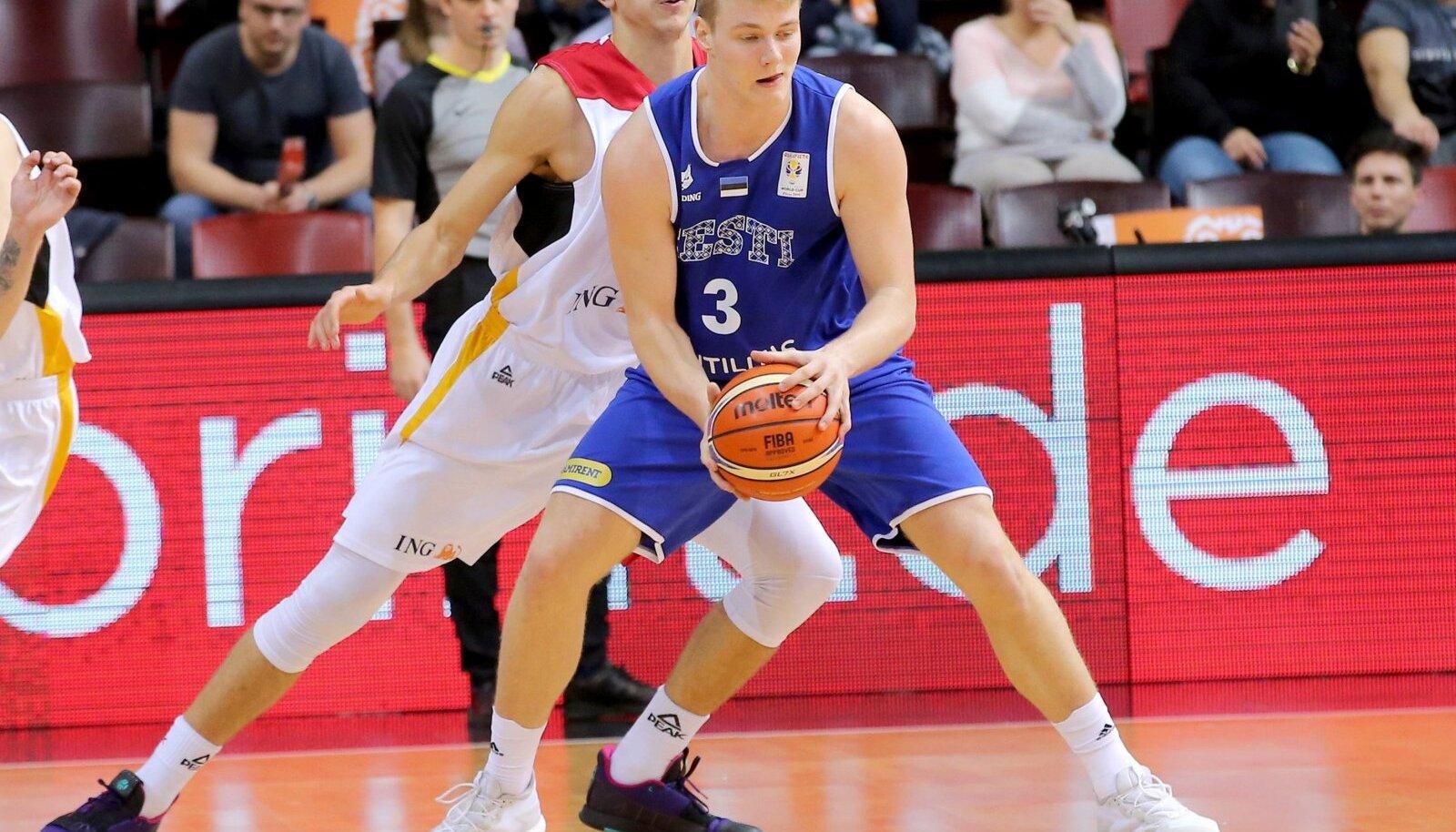 Tim Schneider Deutschland Kaspar Treier Estland Deutschland vs Estland FIBA Basketball WM