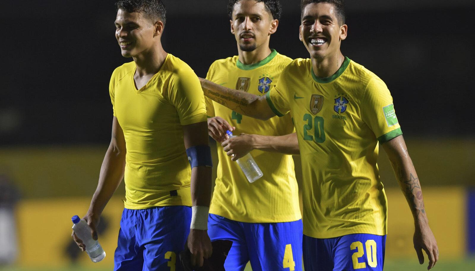 Thiago Silva, Marquinhos ja Roberto Firmino