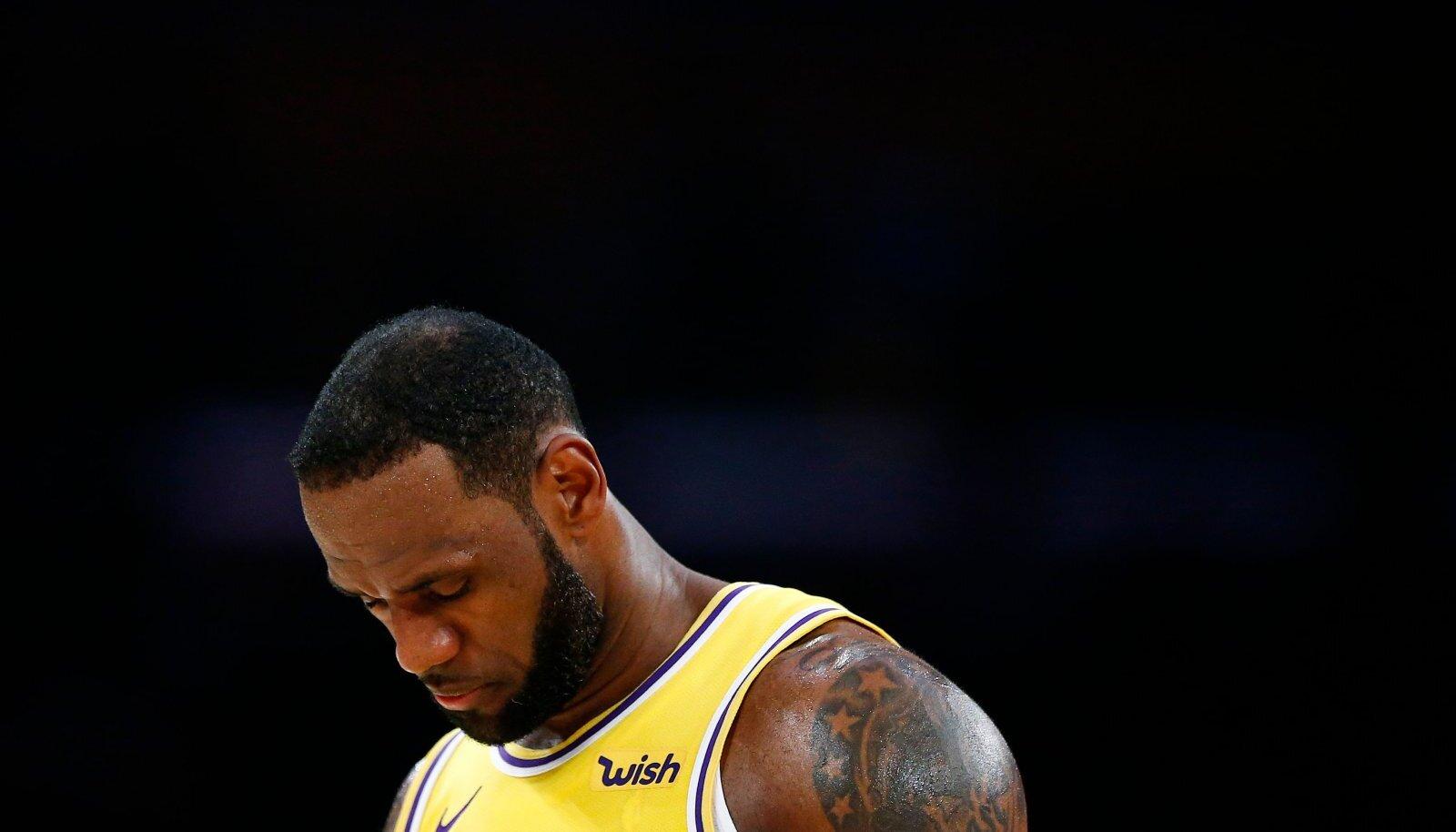 LeBron Jamesi debüüthooaeg Lakersis läks aia taha. Lakers pole viis aastat järjest play-off'i jõudnud. Kuidas edasi?