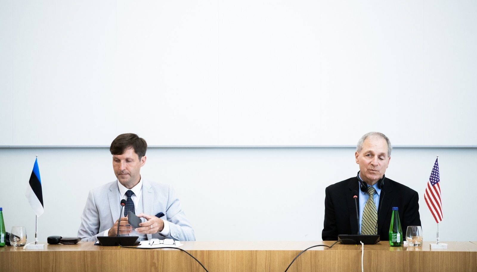Martin Helme sõlmis lepingu USA advokaadibürooga valitsuse volitusel, ent ei kaasanud sisuliselt teisi ministeeriume.
