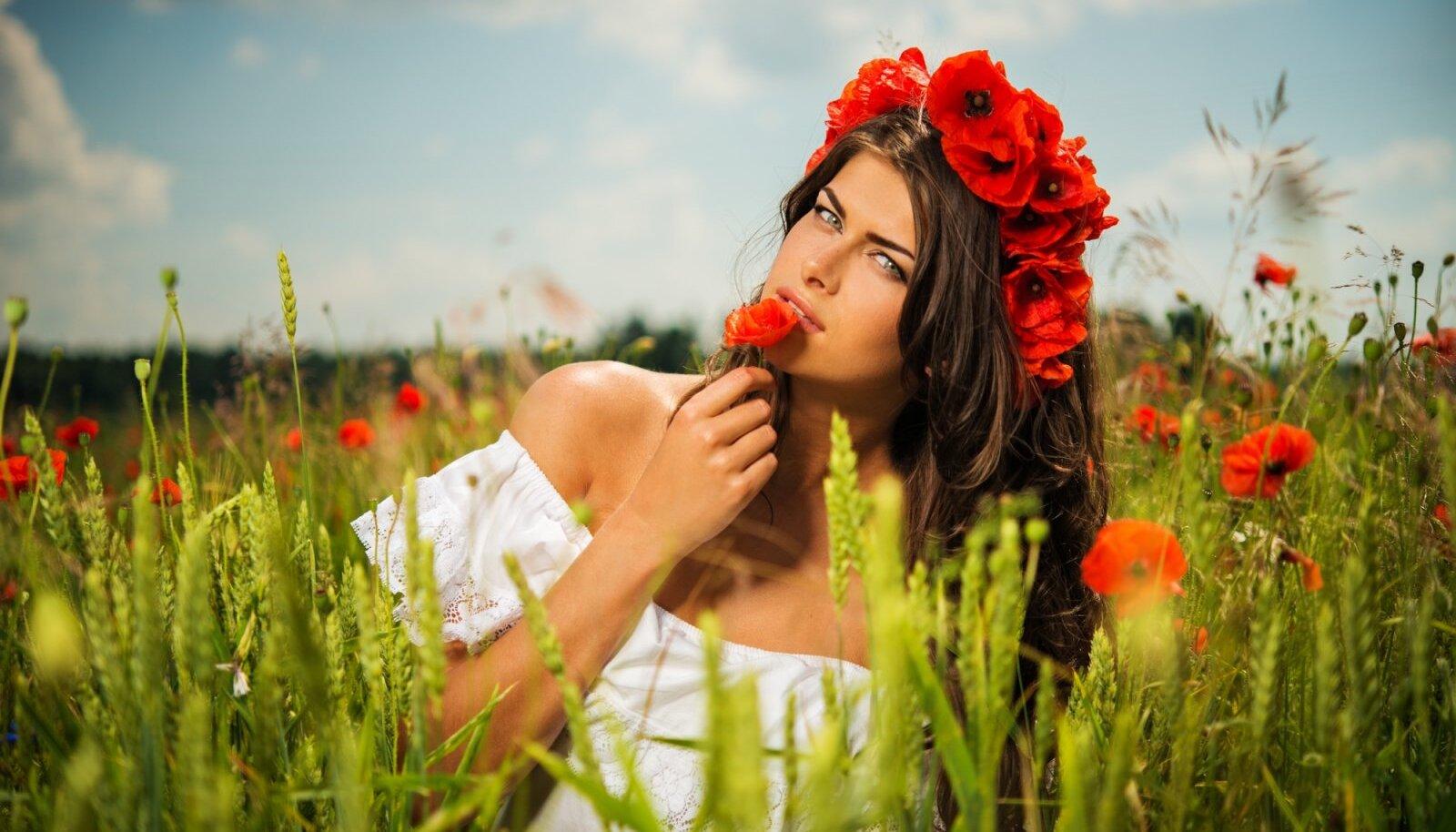 Naiselikkus oskab transformeerida olemist, ilu, kunsti, loodust, liikumist energiaks, mis tõstab naiselikku vibratsiooni