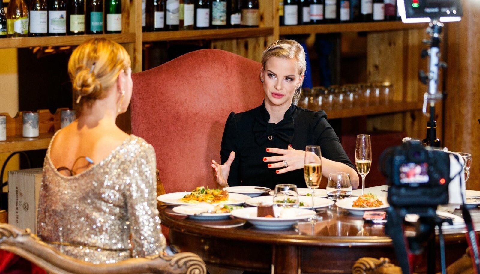 Gerli Rosenfeld-Aavik koos Anu Saagimiga