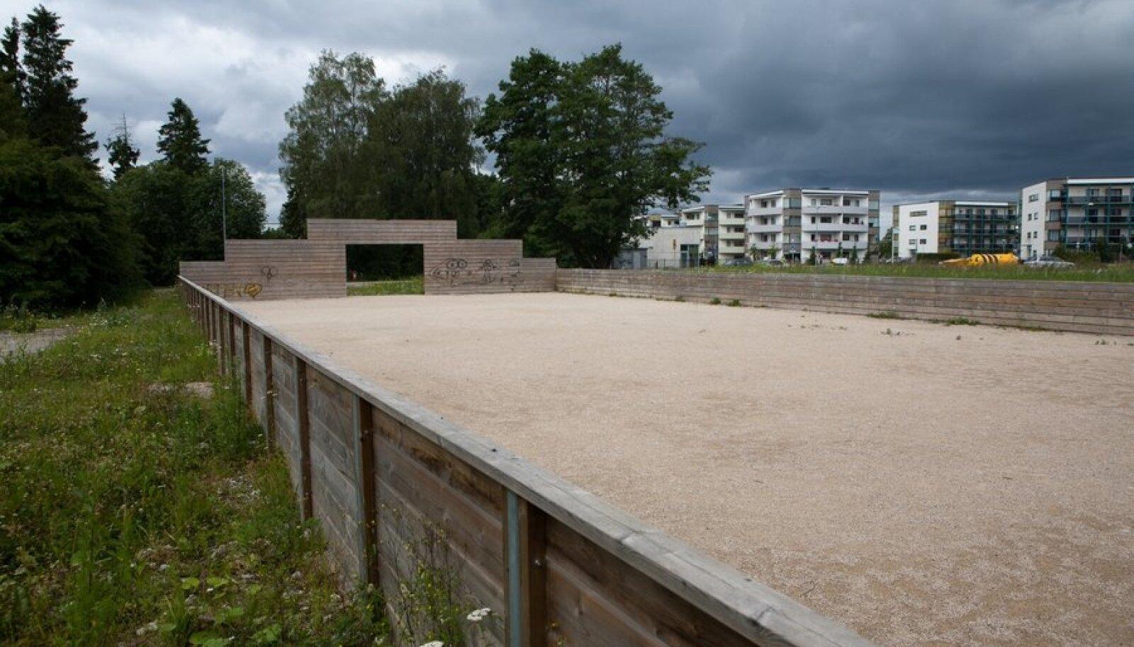 See poolik staadion on kõik, mida Tallinna linn oma 25 miljoni krooni eest sai