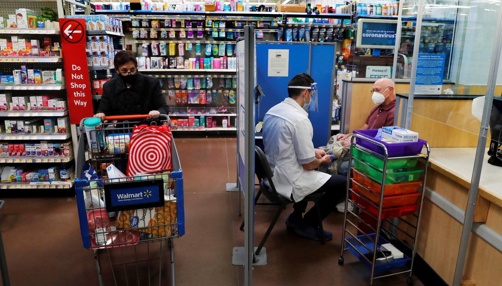 Walmart teatas sel nädalal, et vaktsineeritud nende poes maski kandma enam ei pea