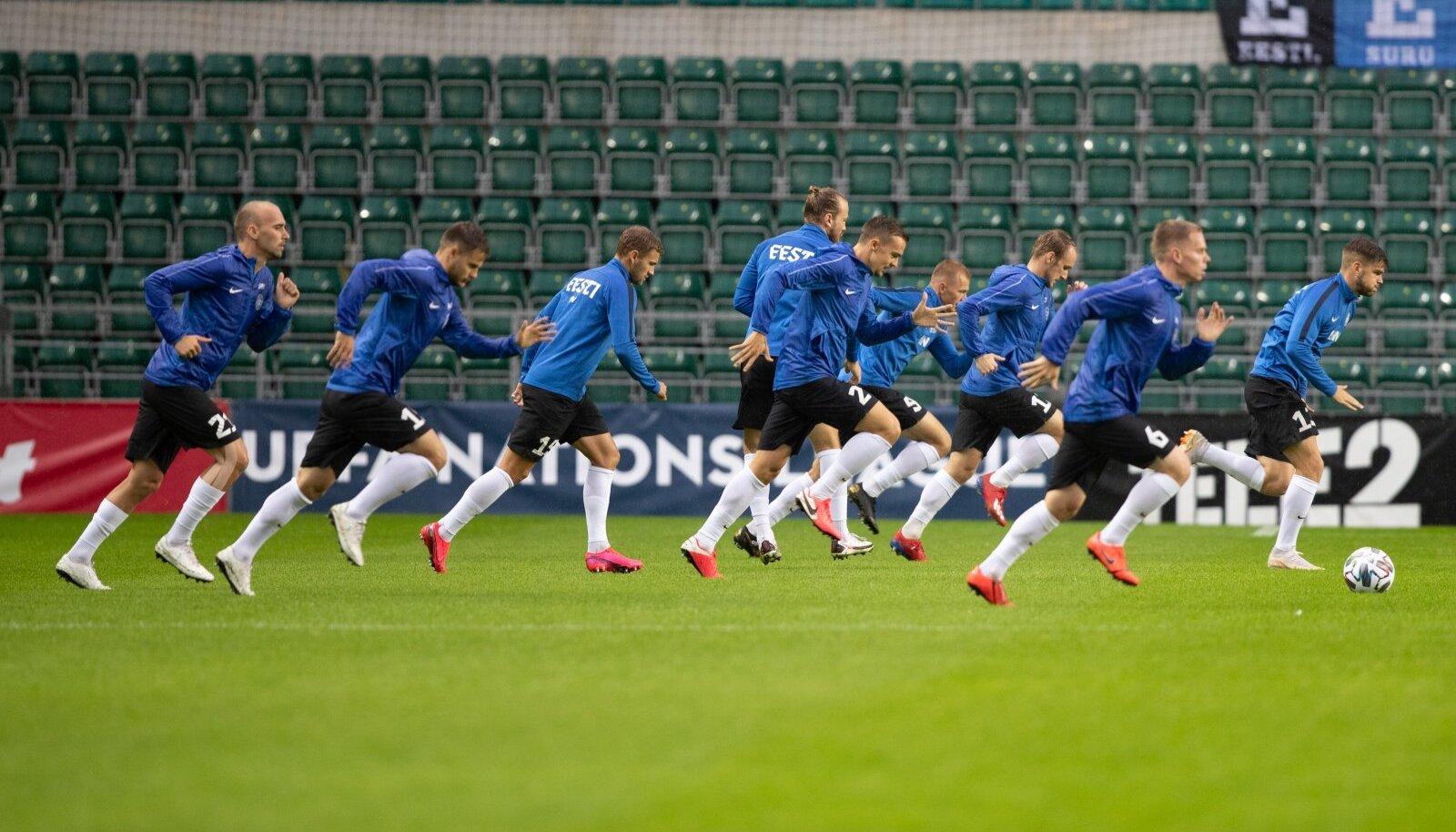 Eesti jalgpallikoondist ähvardab Rahvuste liiga mängudeks kodumaalt väljakolimine.