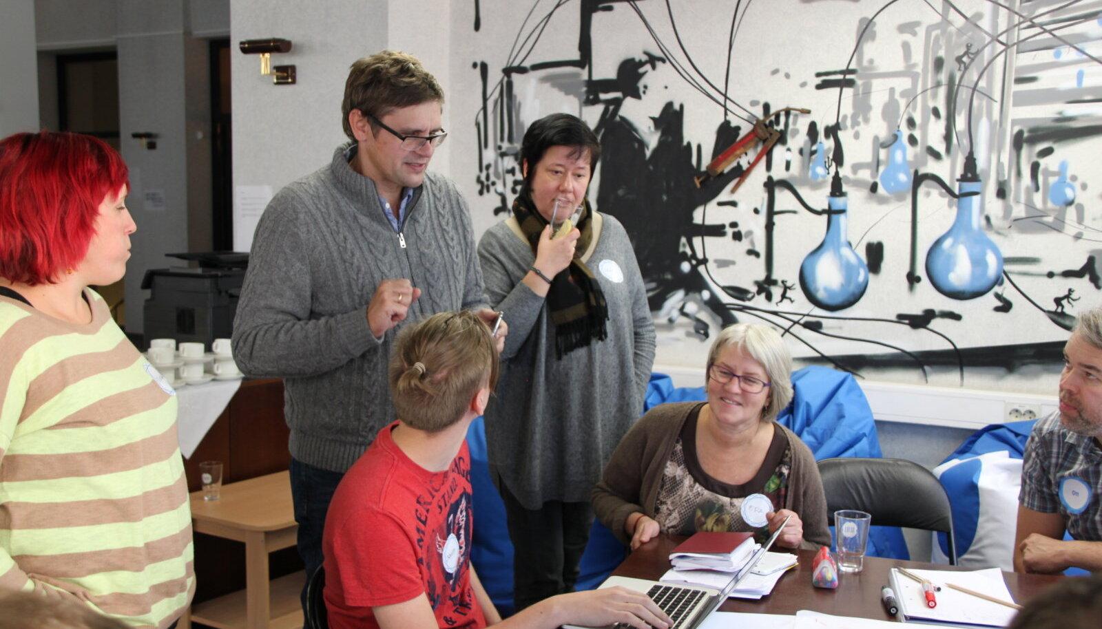 Kagu-Eesti ettevõtjad lihvisid mentorite abiga oma oma ideid  TeamLabil. Põhjalikum koolitus toote turuletoomiseks jätkub PESAs