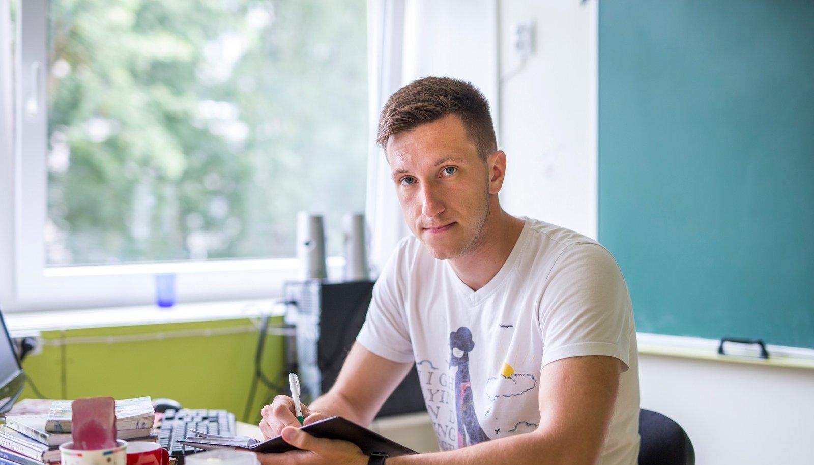 Noor õpetaja Kristjan Lukk soovib, et koolides väärtustataks senisest palju rohkem teadmiste omandamist, mitte hindeid.