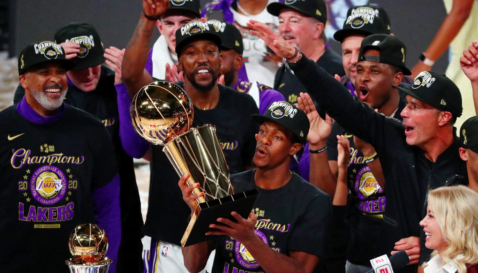 Rajon Rondo (karikaga) on lähedal Lakersisse naasmisele.
