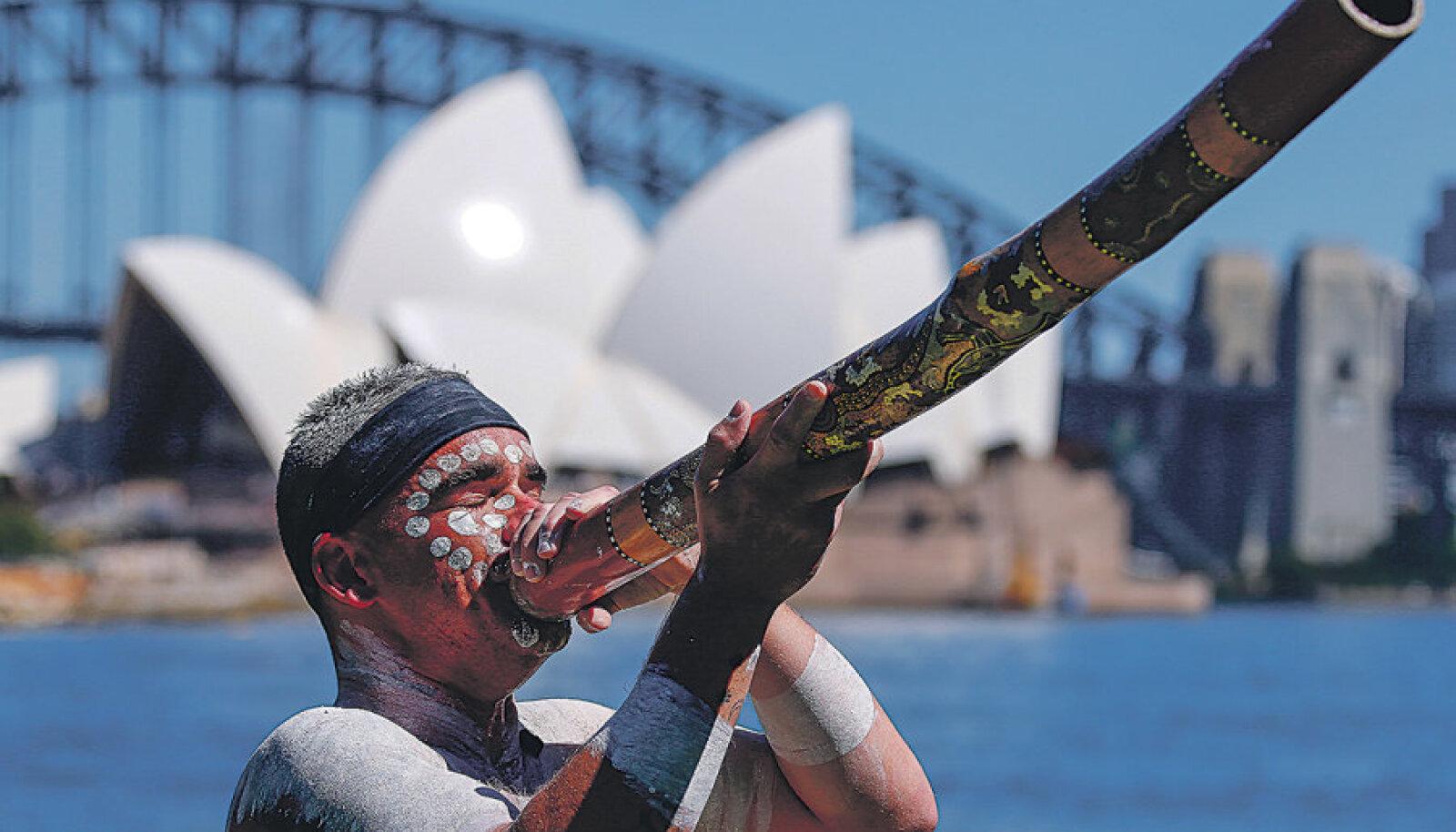 Ehkki Austraalia kutsub välismaalasi aborigeenide etendustega külla ning immigratsioonipoliitika on eestlaste vastu leebe ja puuduvad aastased kvoodid, peab arvestama võimalusega, et piiril pole saladuste ega privaatsuse õigust.