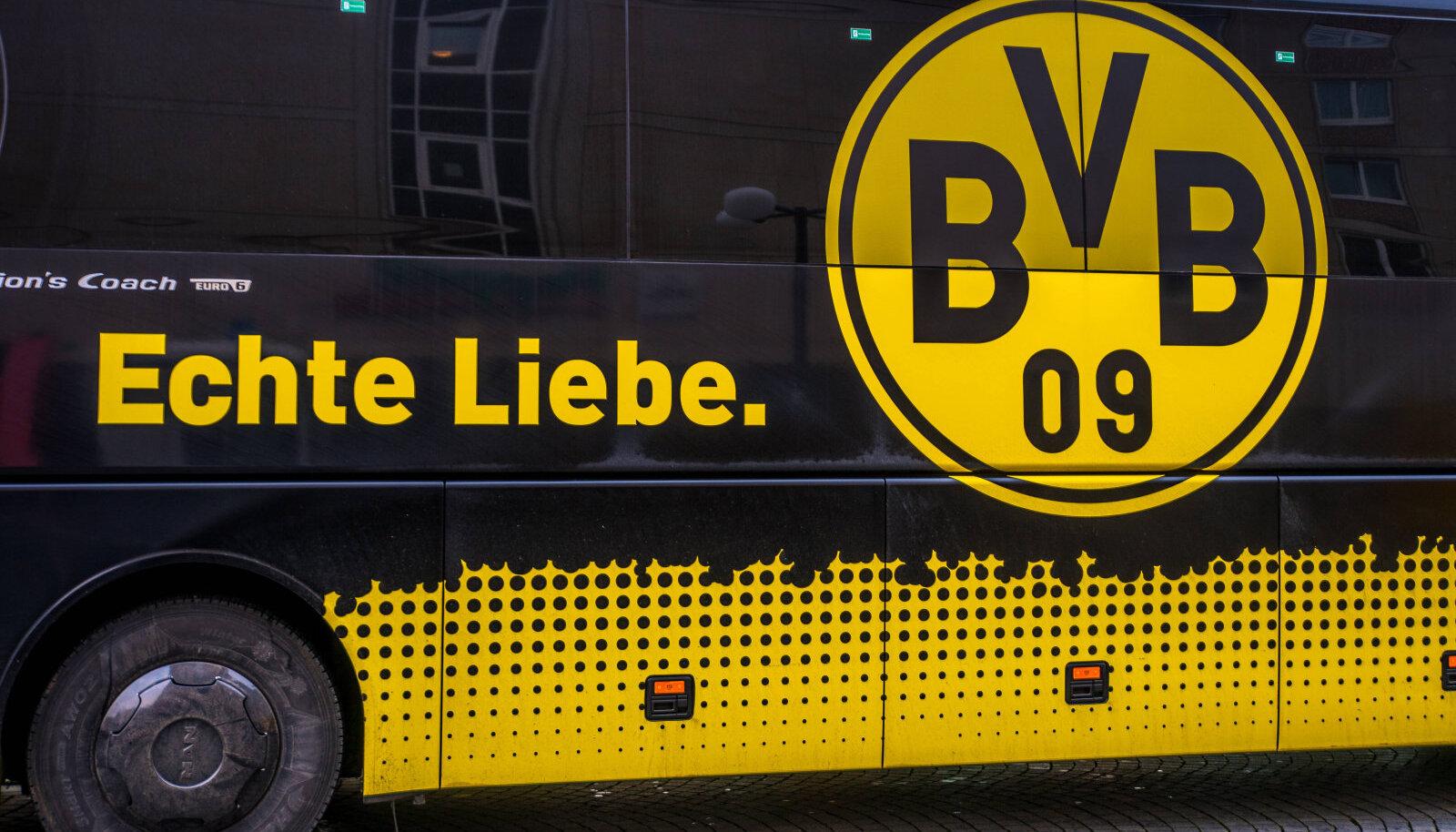 Dortmundi Borussia meeskonna buss.