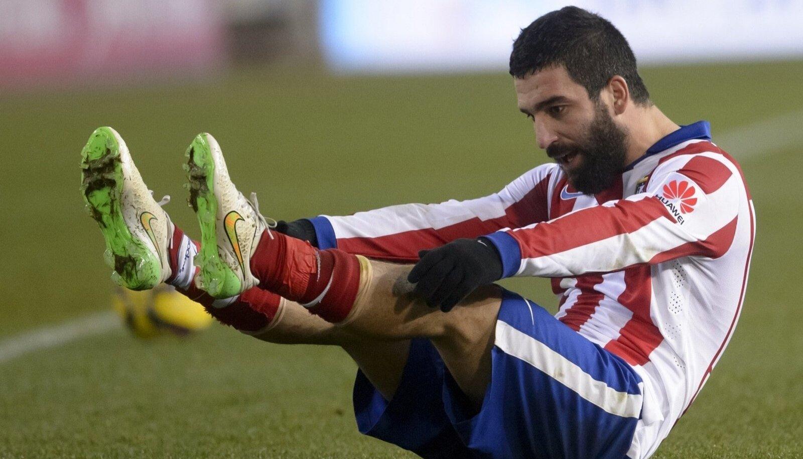 Madridi Atletico poolkaitsja Arda Turan