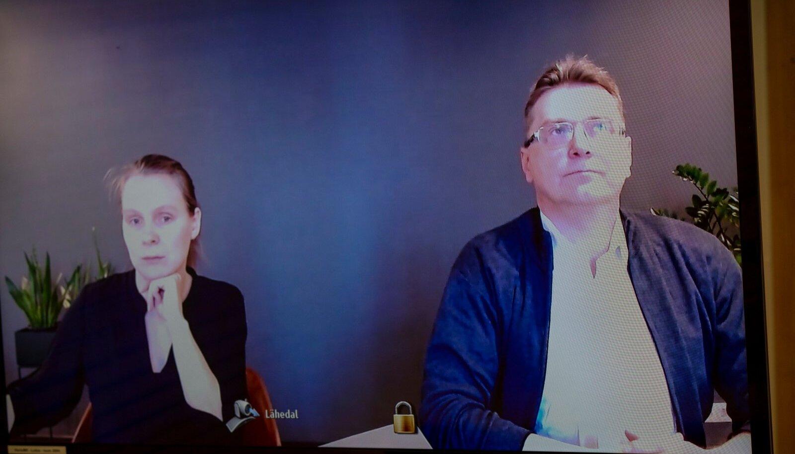 NÕUAB ÕIGUST: Indrek Särg (paremal) ja tema kaitsja Riin Rehepapp selgitavad kohtus, miks eksis partei, kui Särje parteist välja viskas.
