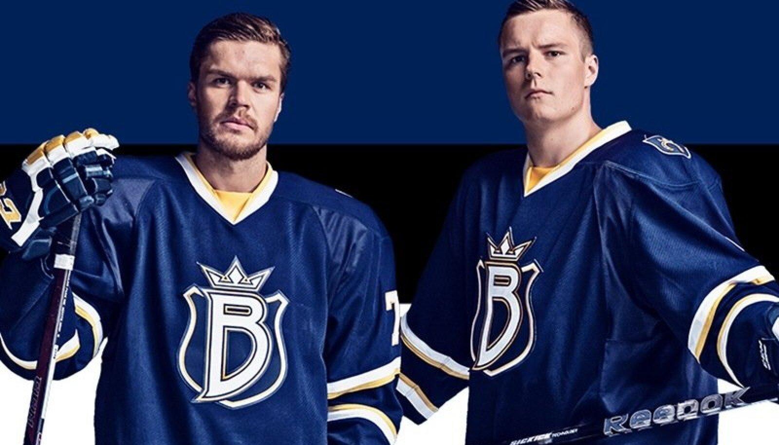 Siim Liivik (vasakul) ja Robert Rooba tegid Espoo Bluesi särkides Eesti hokiajalugu.