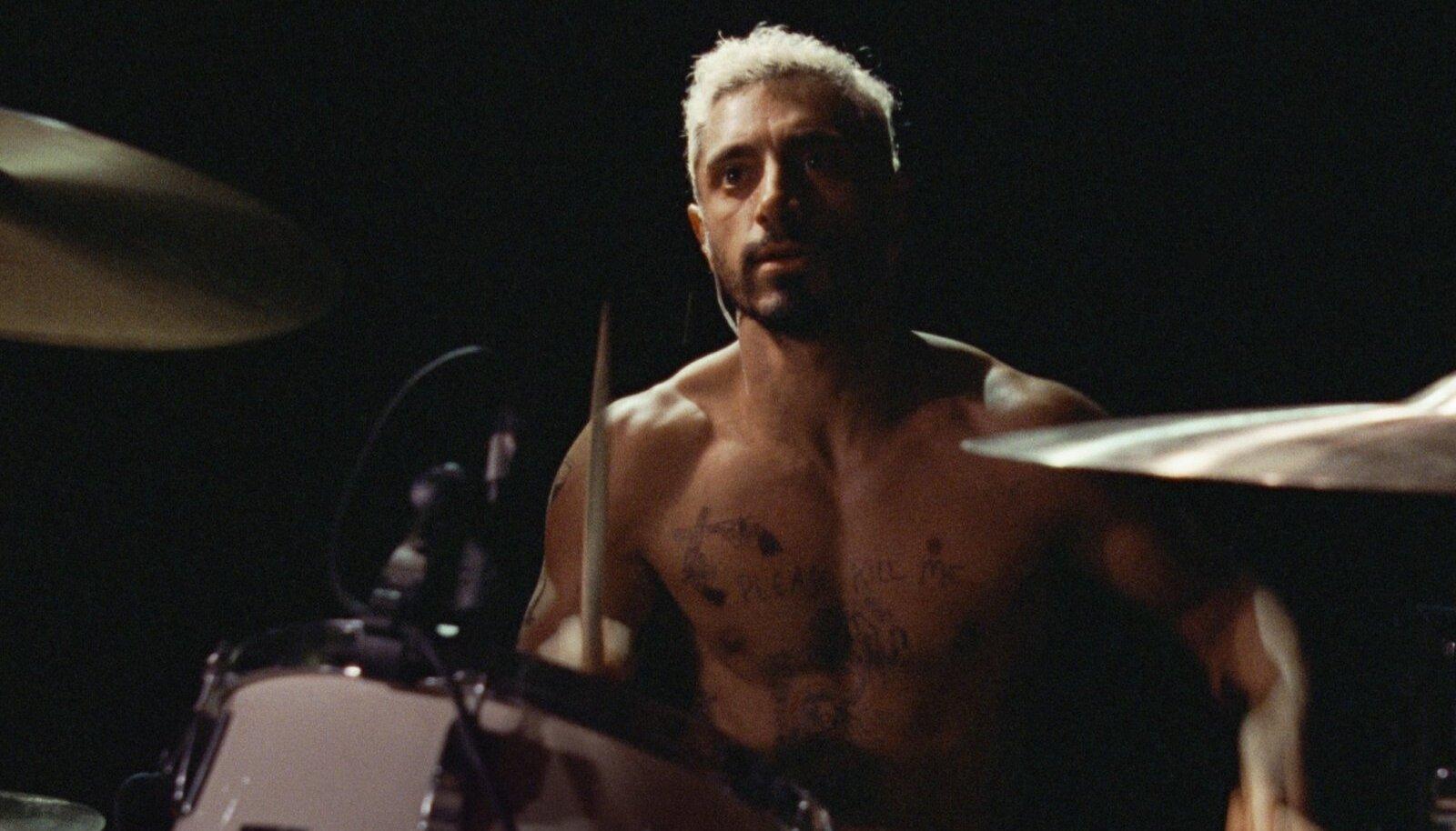 RÄNK TÖÖ: Riz Ahmed õppis Rubeni rolli jaoks selgeks nii trummimängu kui viipekeele. Tema pühendumus tõi talle nii Oscari, BAFTA kui Kuldgloobuse nominatsioonid.
