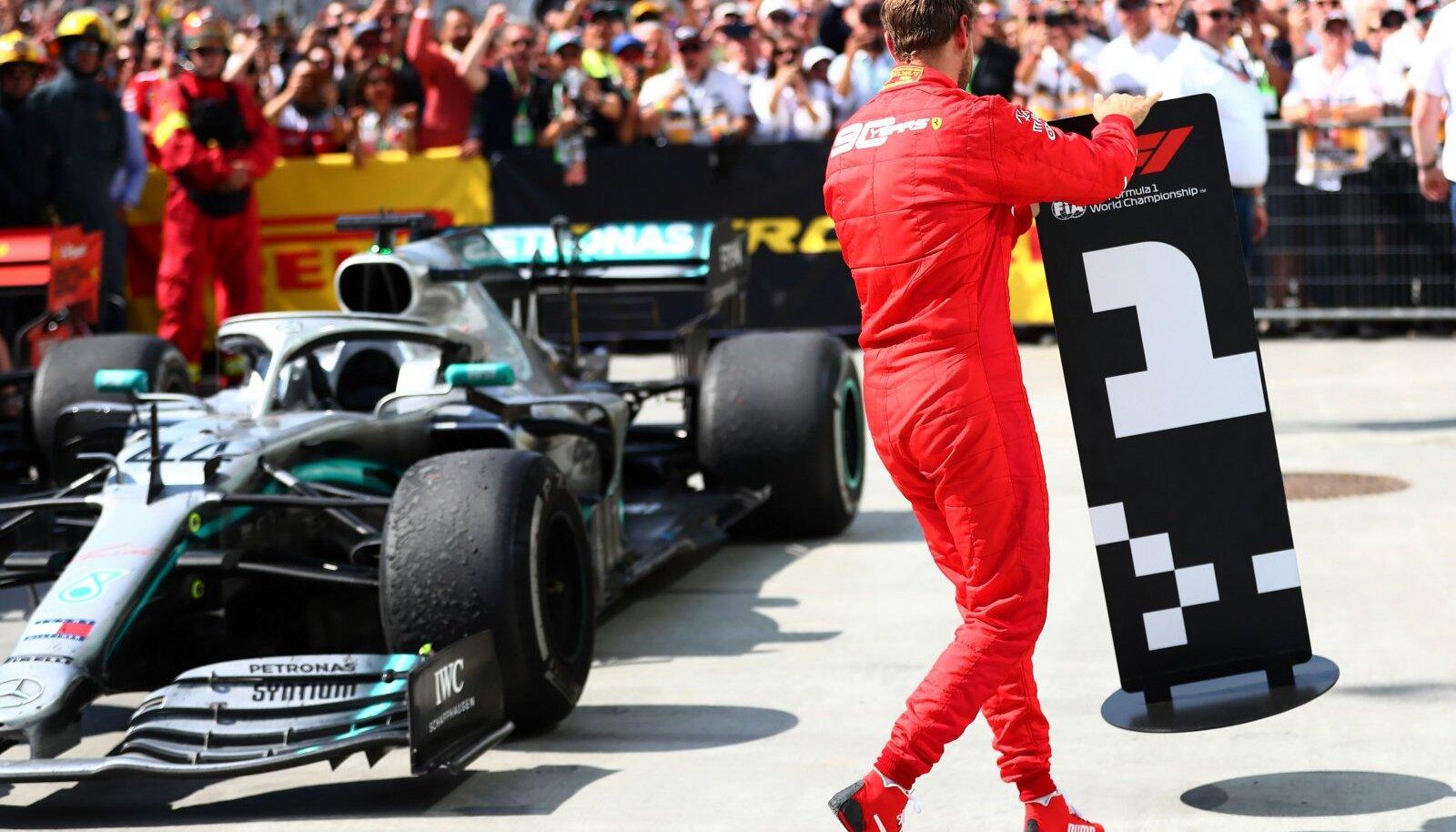 Sebastian Vetteli näitas, mida otsusest arvas.
