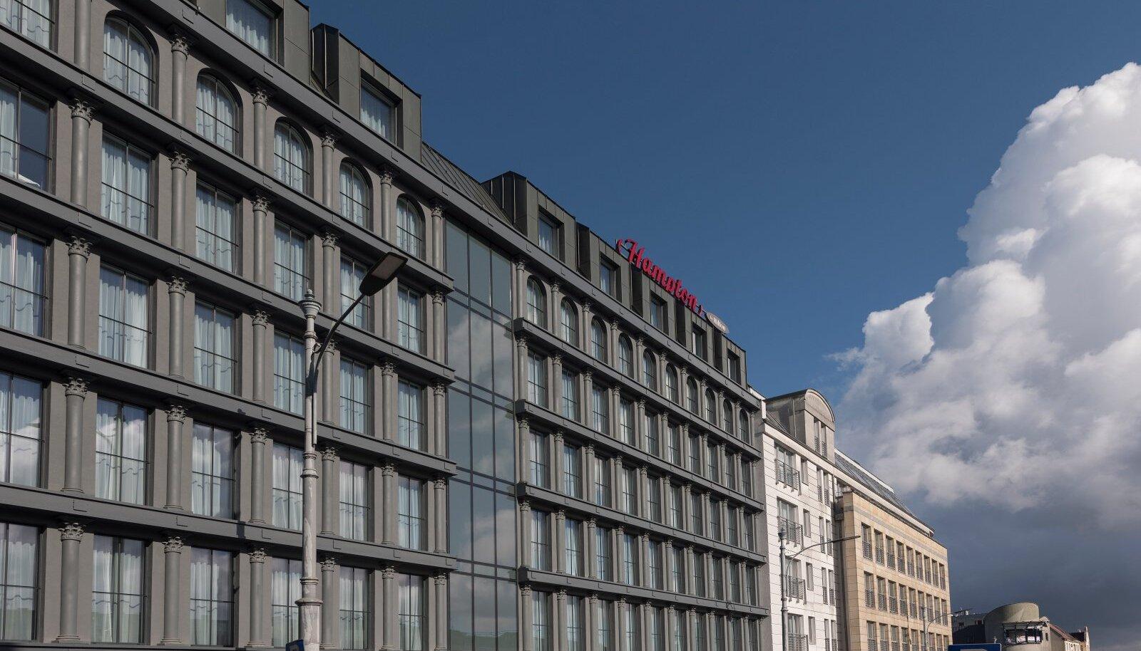 VARSTI KA TALLINNAS: Hamptoni hotell Poolas Poznańi vanalinnas.