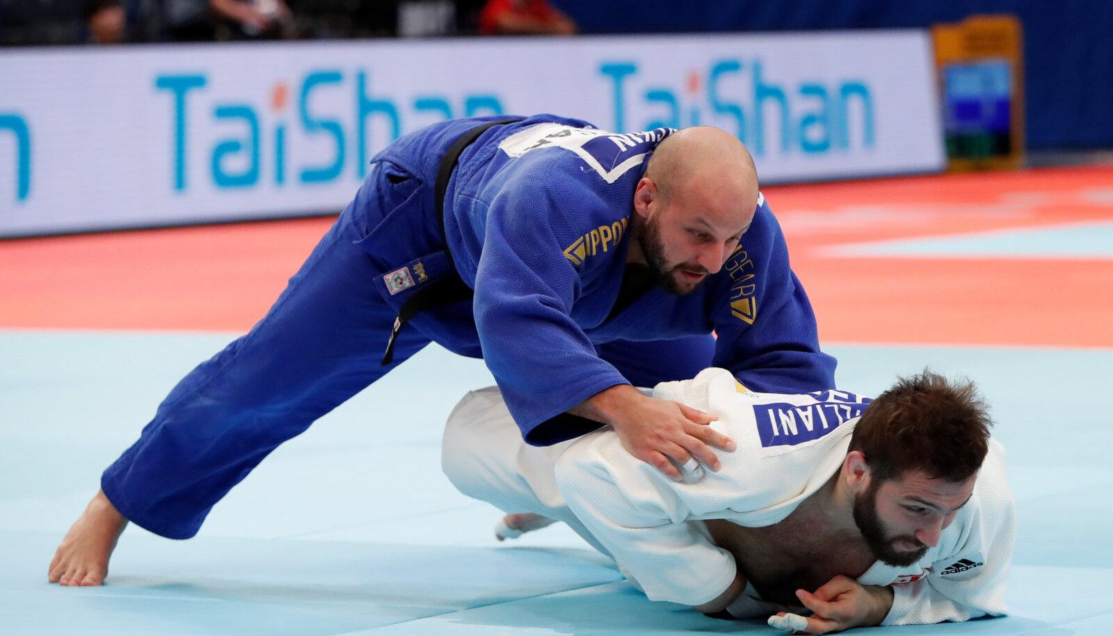 Grigori Minaškin (sinises)