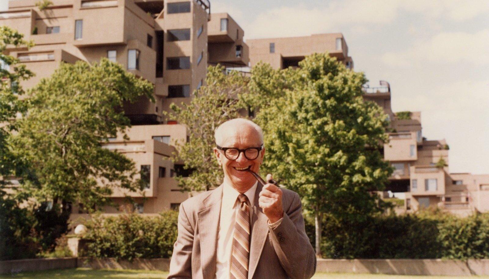 August Komendant oli tulihingeline elementehituse pooldaja – tehases valmistatud betoontoodetest sai mitte ainult kiiremini ja tõhusamalt ehitada, vaid luua ka senisest erinevat arhitektuuri. Arhitekt Moshe Safdie'ga koostöös kavandatud Habitat 67 eksperimentaalne kortermaja Montrealis on tänini üks ambitsioonikamaid elementehituse näiteid.