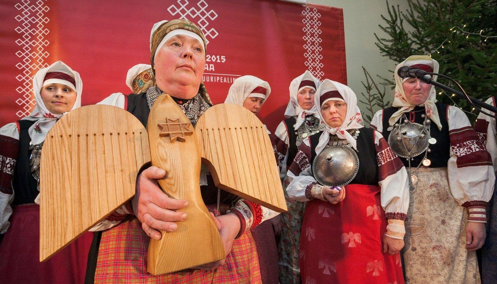 Talsipüha Obinitsas 2016, soome-ugri kultuuripealinna aasta lõpetamine koos pealinna sümboli - tsirguga.