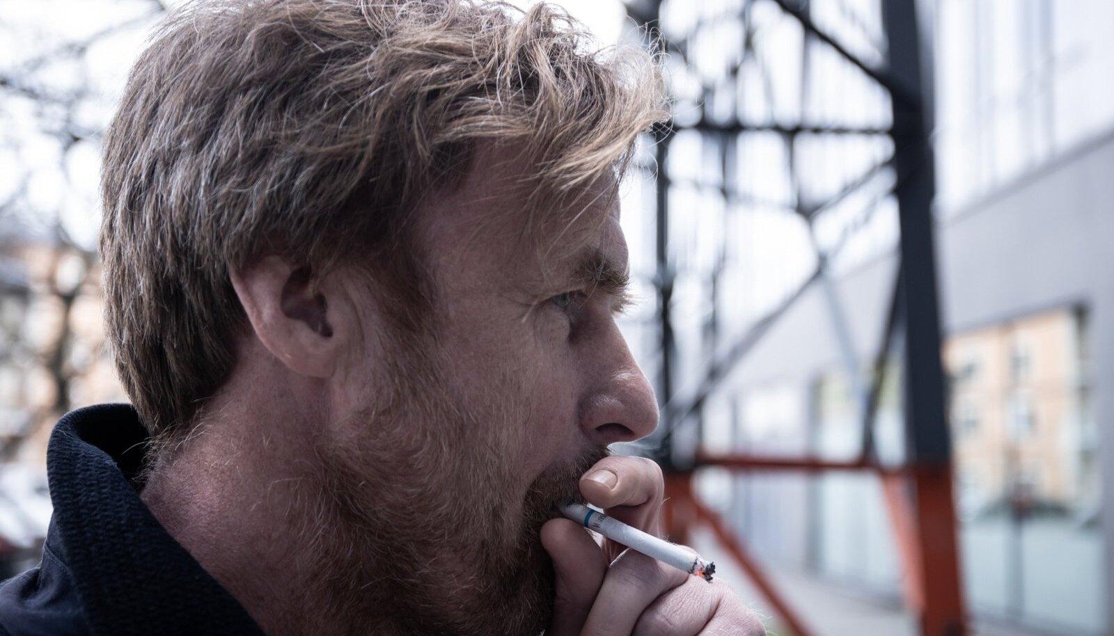 Loo autor Raul Ranne teab, et suitsetamisest loobuda pole kunagi hilja. Aga see on nii pagana raske!