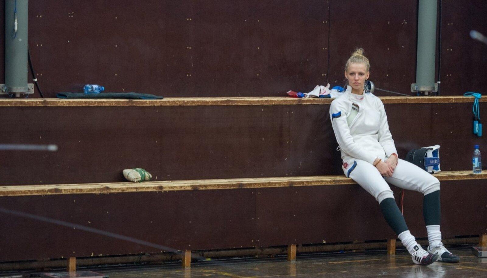 Hiljutine juunior Katrina Lehis oli Johannesburgi MK individuaalturniiril küll parim, kuid jäeti naiskonna esimestes matšides kõrvaltvaatajaks.