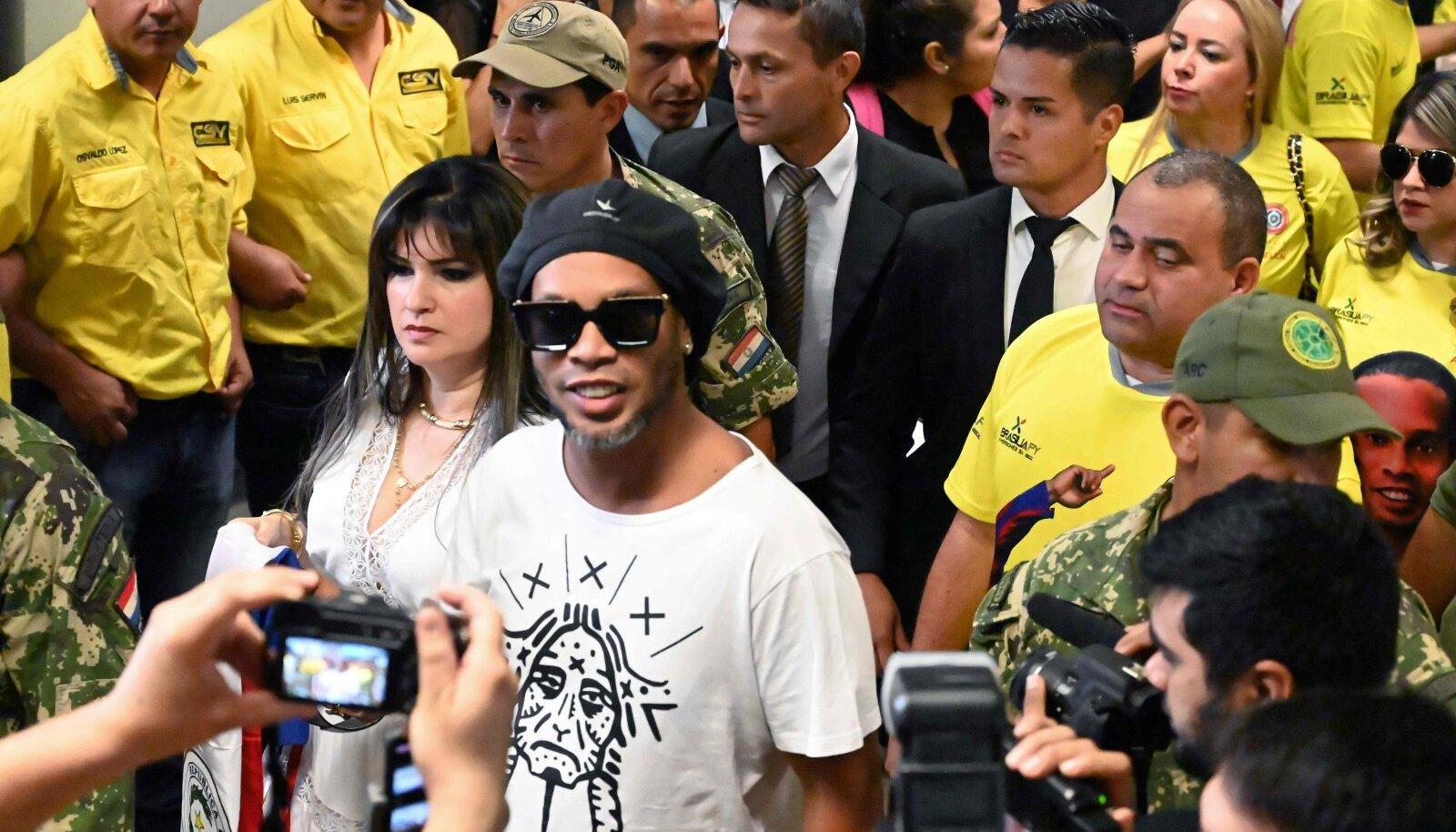 Ronaldinho on taas seadusega pahuksis.
