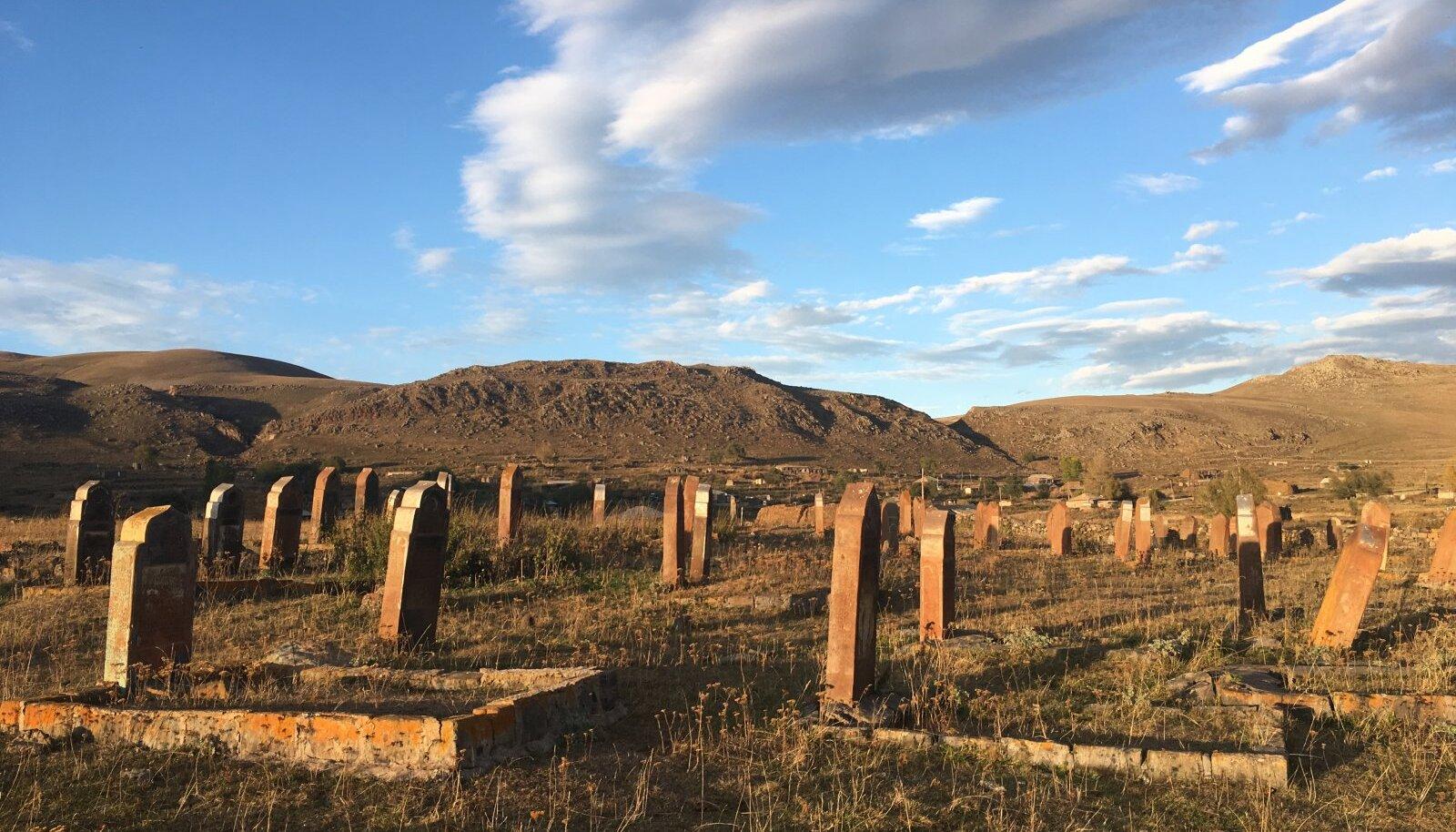 Mahajäetud surnuaed Armeenias