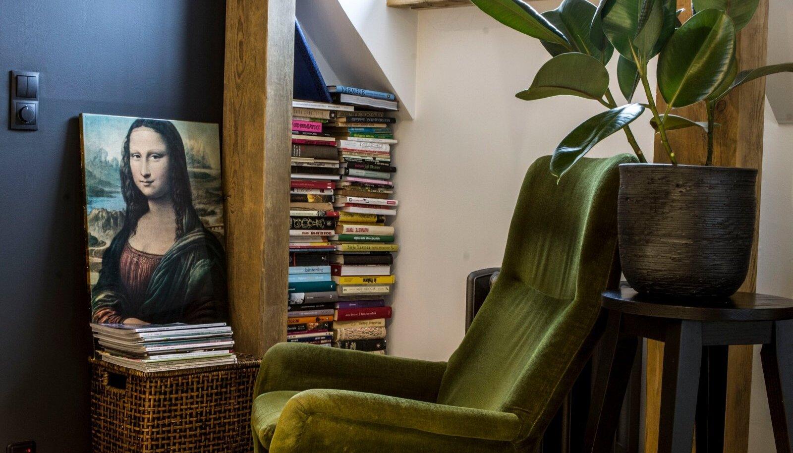 Roheline tugitool on üks mõnus vintage tugitool. Pärit Rootsist,disainerit kahjuks ei tea.