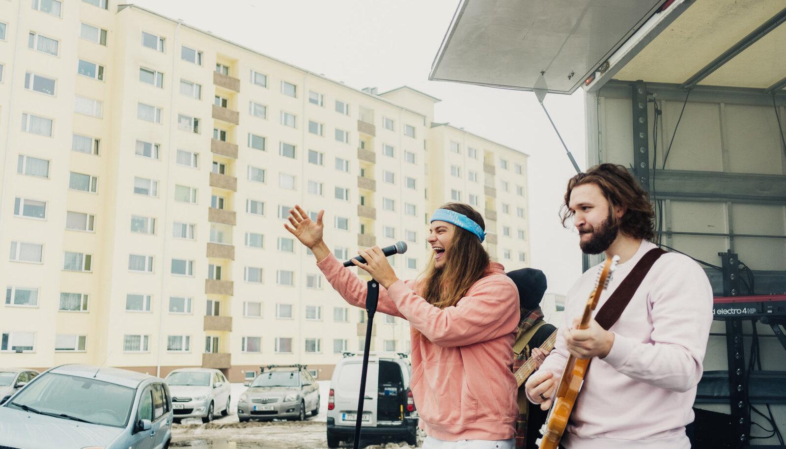 Daniel Levi üllatas fänne kontsertidega nende koduõues.