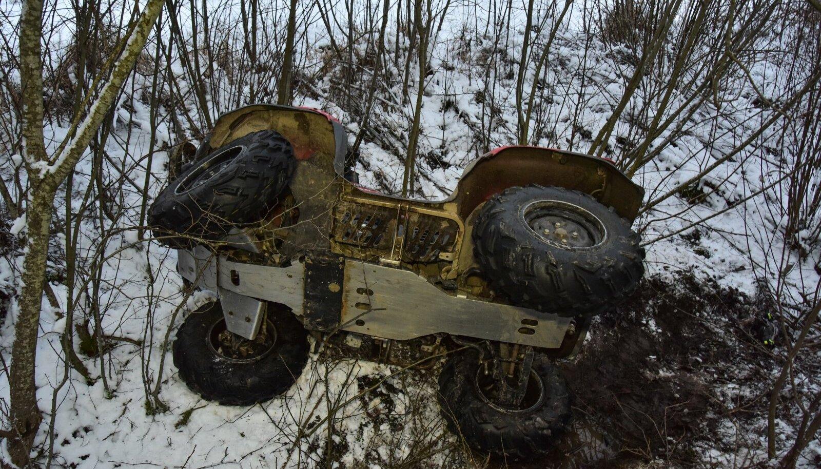 Viljandimaal hukkus ATV-juht
