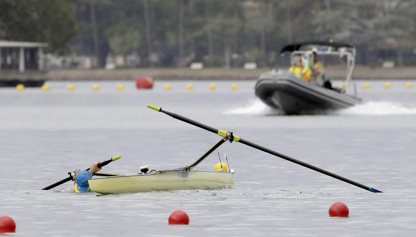 Foto on illustratiivne. Pildil on 2016 Rio olümpial paadist välja kukkunud Kasahstani sõudja.