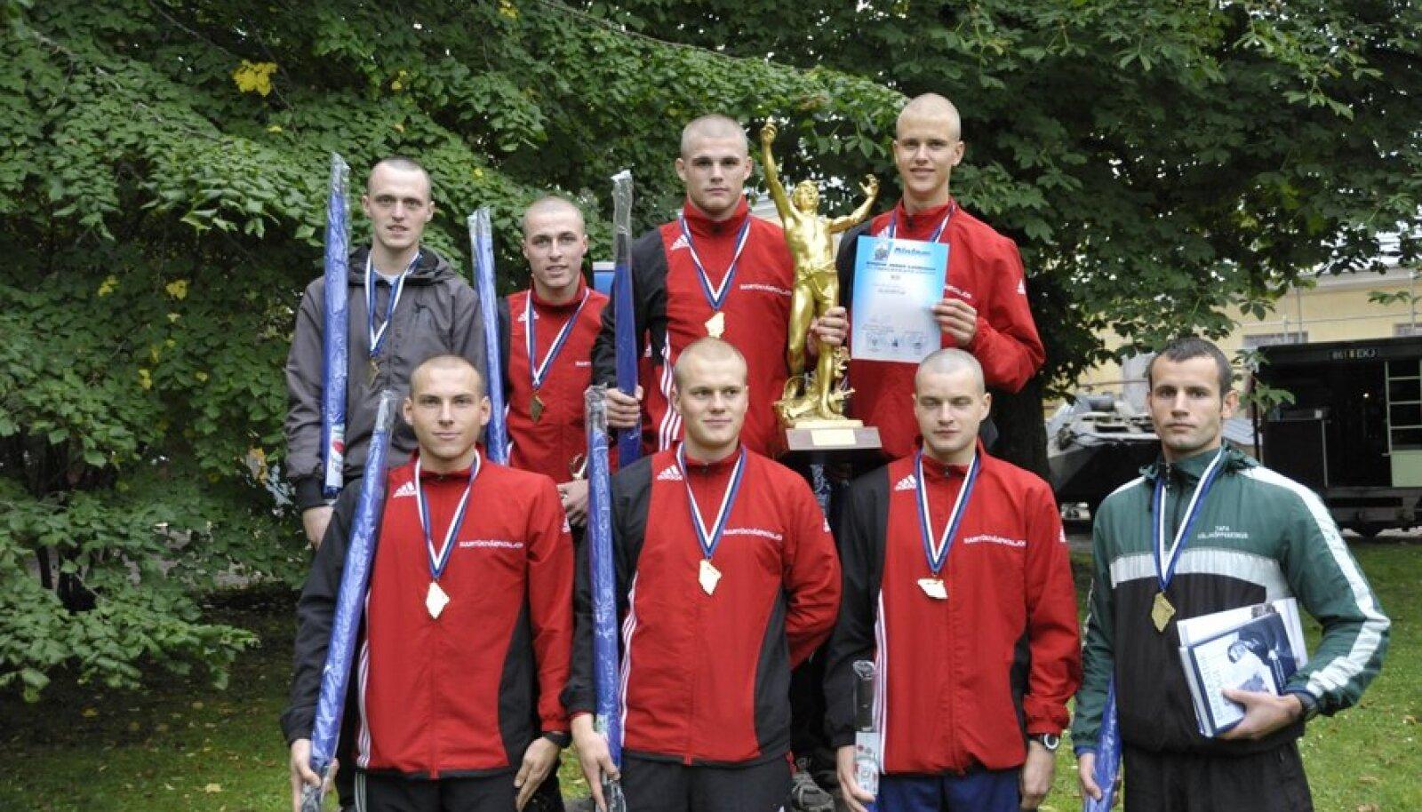 Laidoneri olümpiateatejooksu võitis Suurtükipataljon, foto Eesti Spordiseltsi Kalev