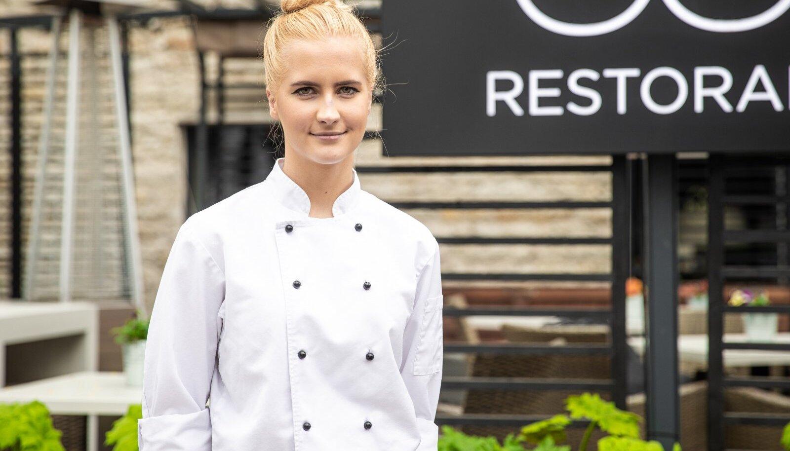 Carina-Elisabeth Hade, Restoran Platz