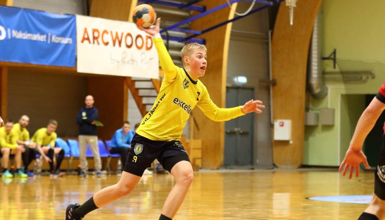 Hendrik Koks viskas oma eurodebüüdil Viljandi HC täpseimana viis väravat, kuid ideaalset sünnipäevakinki peatreenerist isa Markole pakkuda ei suutnud.