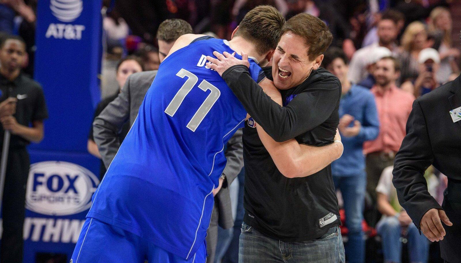 Marc Cuban koos Dallas Mavericksi liidri Luka Donciciga.