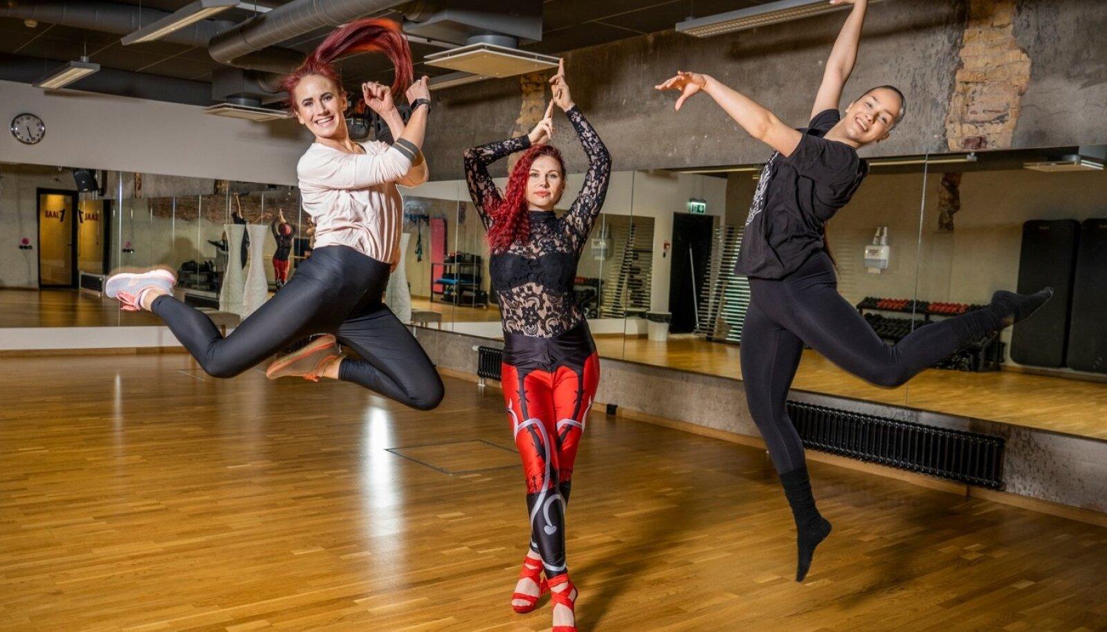 TantsuGeeni treenerid Regina Teino, Berit Silvia Kondratjev ja Maria Kangur.