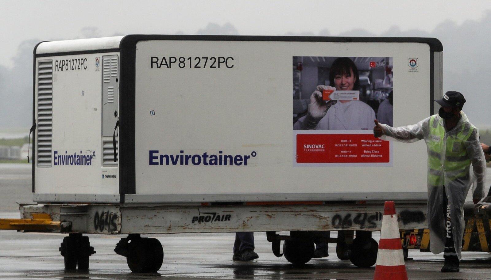 HIINA IME: Mõned nädalad tagasi saabus Brasiiliasse külmutuskonteiner hiinlaste loodud Sinovaci vaktsiiniga.
