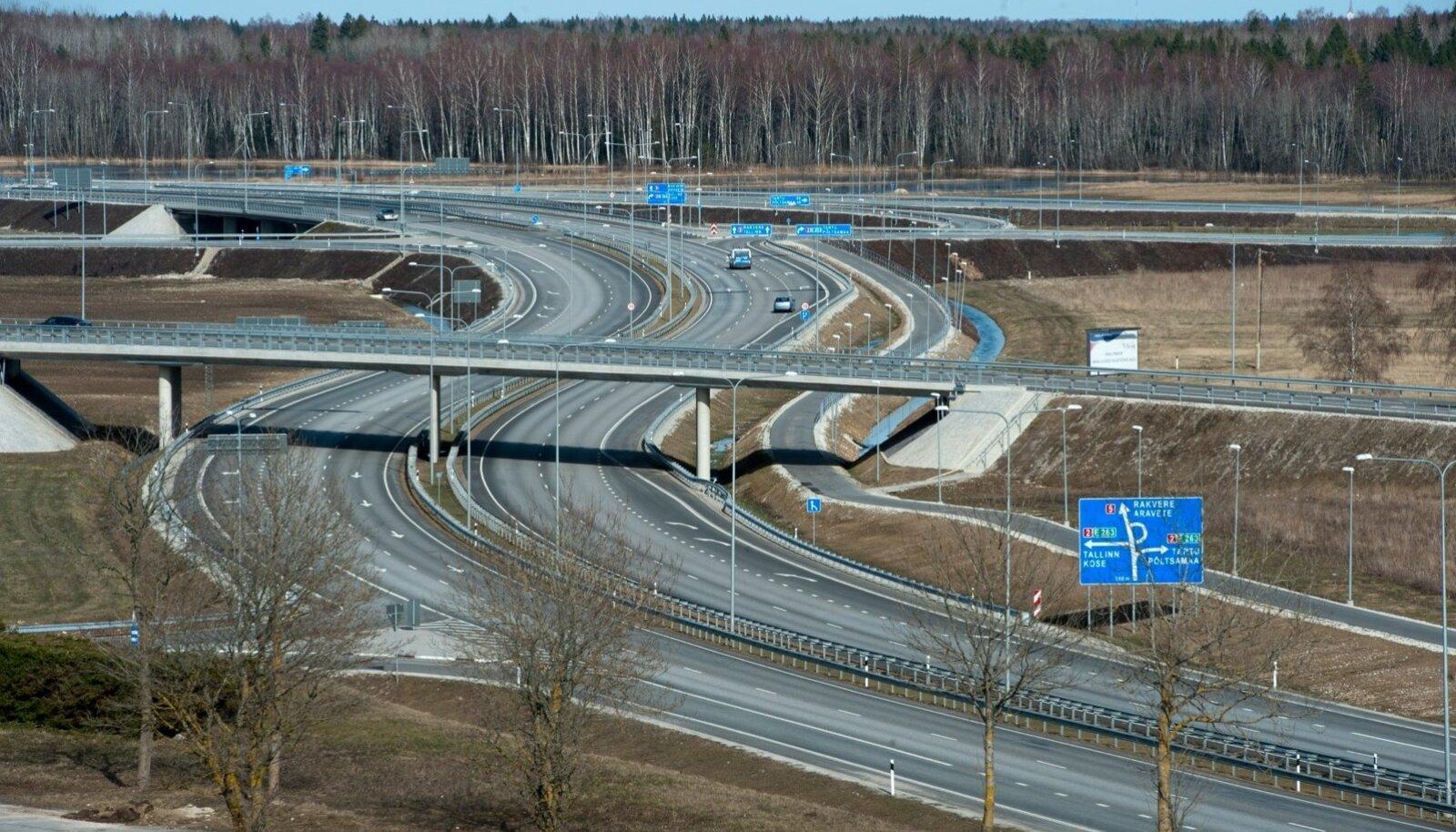 Eesti 2 + 2 teed, nagu Mäo ümbersõit, on turvalisemad, kuid nende ehitamine on kallis.