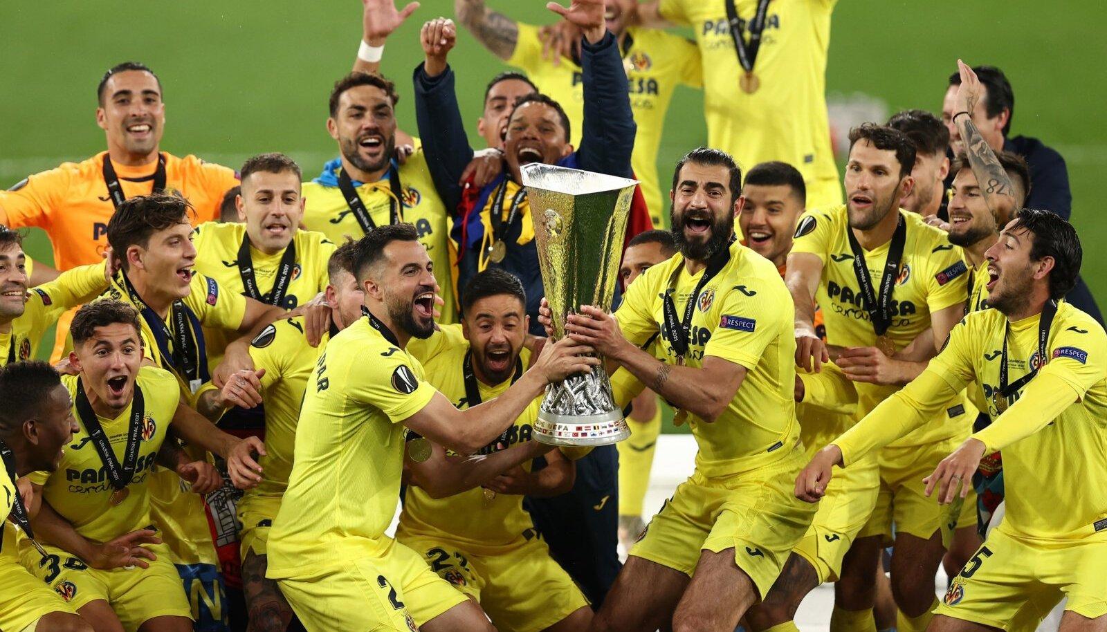 Villarreali mängijad Euroopa liiga võitu tähistamas.